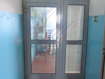 Двери противопожарные остекленные